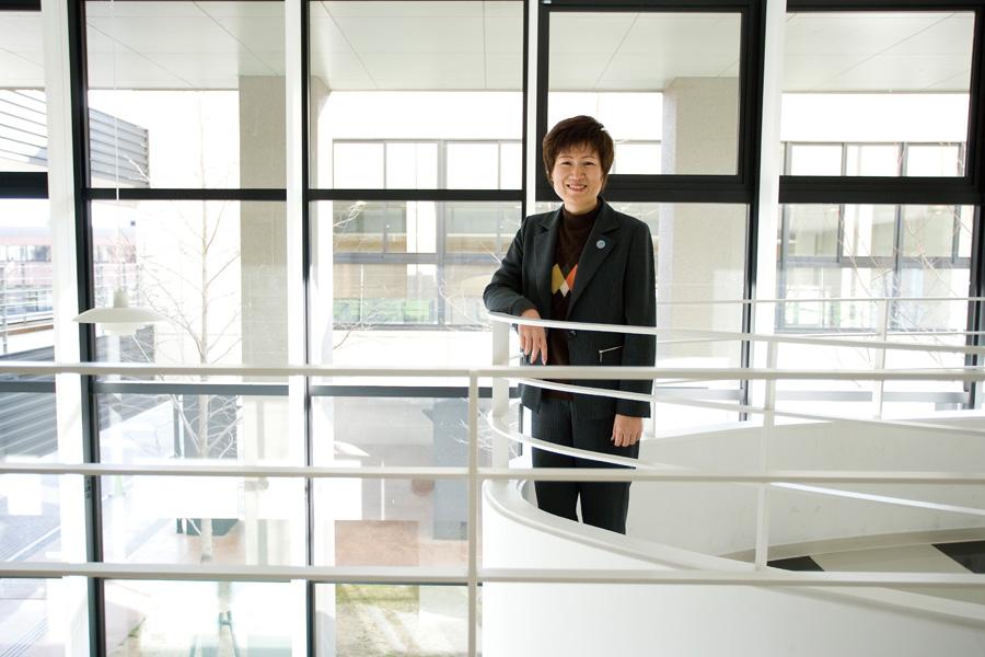 韓 榮芝准教授